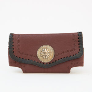 SK-257TT_handmade_leather_phonecase_purse_western_tribal_southwestern_brown_large_concho_horizontal_